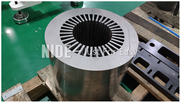 Automatic submersible motor stator paper inserting machine for large electric motor manufacturing-3